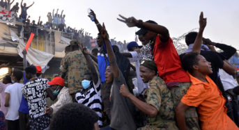 Sudanese military suspends talks demanding protesters to clear roadblocks