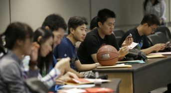 US Lawmakers Look To Tighten Visas For Chinese Students And Researchers